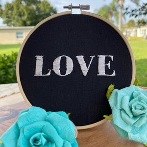 Wall Art   Black and White Love Decoration